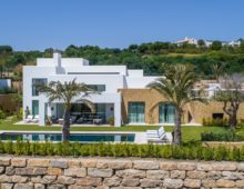 Exclusive villas Casares 16