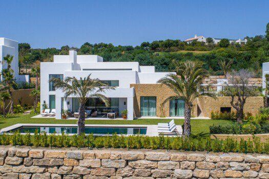 Exclusive villas Casares 16